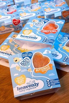NO hearts please, but good use of double hearts with 1 color, primary message in bryant pro, second message claim in Plum office baby. Kids Packaging, Medical Packaging, Organic Packaging, Food Packaging Design, Brand Packaging, Freezing Baby Food, Chocolate Packaging, Baby Food Recipes, Food Baby