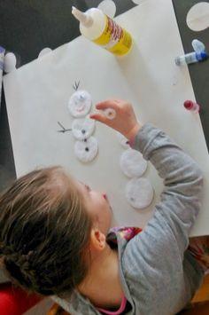Winter crafts: Met wattenschijfjes sneeuwpoppen knutselen - Mamaliefde.nl