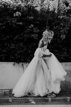 Nancy Ebert / Europe Wedding Photographer / More on The LANE