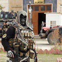 pictures of Iraqi Special Forces kicking ISIS' ass Military Gear, Military Police, Military Weapons, Usmc, Iraqi Special Forces, Military Special Forces, Special Forces Gear, Ghost Soldiers, Tac Gear
