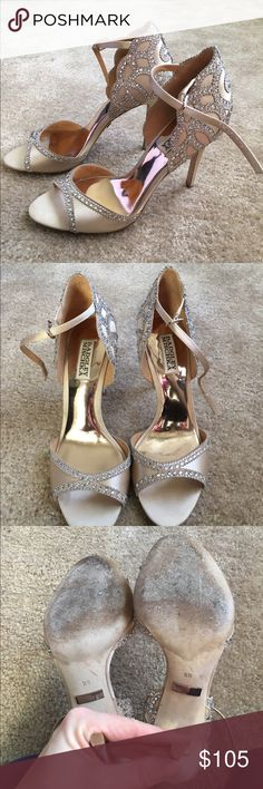 Badgley Mischka Roxy 8.5 Badgley Mischka Nude sparkly sandals. Worn once, great condition. Size 8.5 Badgley Mischka Shoes Heels