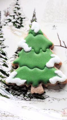 Christmas Tree Cookies, Xmas Cookies, Iced Cookies, Cut Out Cookies, Christmas Sweets, Cute Cookies, Royal Icing Cookies, Cupcake Cookies, Christmas Baking