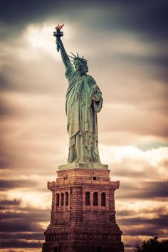 The Statue of Liberty Ellis Island New York United States of America American History, American Pride, Liberty Island, Usa Tumblr, Monuments, City Aesthetic, Famous Landmarks, New York Travel, God Bless America