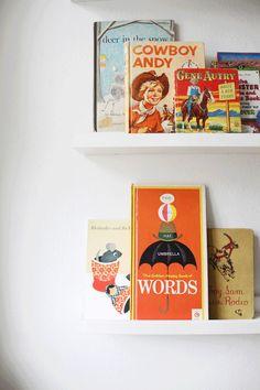 Vintage children books. Llibres per a nens antics.