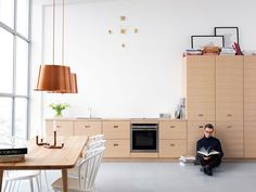 Kitchen Inspiration - Modern kitchen in oak - Magnum Interior Inspiration, Kitchen Inspiration, Kitchen Ideas, Cool Kitchens, Kitchen Dining, New Homes, Interior Design, Studio, Table