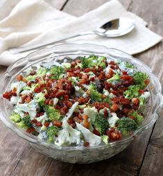 Brokkolisalat med bacon - LINDASTUHAUG Great Recipes, Healthy Recipes, Creative Food, Diy Food, I Love Food, Indian Food Recipes, Food Inspiration, Broccoli, Tapas