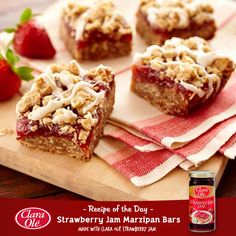 Sweeten your weekend with these special Strawberry Jam Marzipan Bars that will surely be loved by you and your loved ones! Happy Strawberry Day!