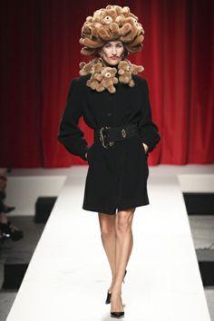 Sfilata Moschino Milano - Collezioni Primavera Estate 2014 - Vogue--You have got to be kidding me!? Teddy bears???