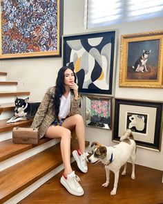 Laid Back Outfits, Back To School Outfits, Everyday Outfits, Black Biker Shorts, Black Jogger Pants, Fashion Story, Star Fashion, Heart Evangelista Style, Curly Prom Hair