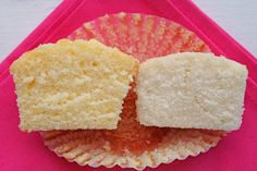 Wedding Cake Recipes Perfect white wedding cake recipe - I'm a cake connoisseur. I can detect the subtlest of differences in flavor, the openness . Cupcake Recipes, Cupcake Cakes, Dessert Recipes, Yellow Cupcakes, Cake Recipes From Scratch, Small Cake, Cake Flour, Food Cakes, Vanilla Cake