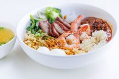 Dry Vietnamese Pork & Seafood Noodle Soup with Sauce (Hu Tieu Kho Voi Nuoc Sot) — Vietnamese Home Cooking Recipes Rice Noodle Soups, Noodle Recipes, Soup Recipes, Cooking Recipes, Vietnamese Pork, Vietnamese Cuisine, Vietnamese Recipes, Vietnamese Dry Noodle Recipe, Beef And Noodles