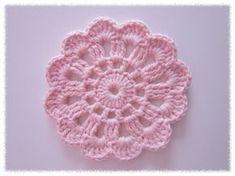 Prinsessajuttu: Virkattu kukka, ohje Diy Crochet Doilies, Crochet Home, Crochet Gifts, Crochet Motif, Crochet Yarn, Crochet Flowers, Crochet Patterns, Crochet Teddy Bear Pattern, Crochet Fashion