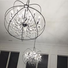 Loving my new globe chandeliers😍💎They are from Elegant lighting & they were half the price of the ones as Restoration🎊 House is slowllllly coming together. We ordered a lot of the staple pieces a few months ago and everything is starting to show up! Carli Bybel House, Old Fashioned Christmas Decorations, Restoration House, Globe Chandelier, Chandeliers, Carpet Decor, Foyer Decorating, Decorating Ideas, Decor Ideas
