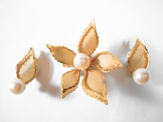Vintage Goldtone Flower Leaf Faux Pearl Clip Earrings and Brooch Set