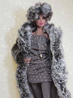 Dalliance Faux Fur Coat & Fashion Set - Fashion Royalty FR2 NuFace by KK.  A GORGEOUS KK fashion!