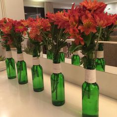 Check out Models to Get Inspired Wine Bottle Crafts, Mason Jar Crafts, Bottle Art, Bottles And Jars, Glass Bottles, Bottle Centerpieces, Wedding Decorations, Table Decorations, Centre Pieces