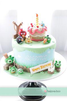 Bake-a-boo Cakes angry birds Bolos Cake Boss, Pasteles Cake Boss, Torta Angry Birds, Angry Birds Birthday Cake, Baby Cakes, Cupcake Cakes, Pretty Cakes, Cute Cakes, Bake A Boo
