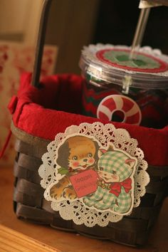 Guest designer Suz Mannecke shares some simple holiday crafting ideas