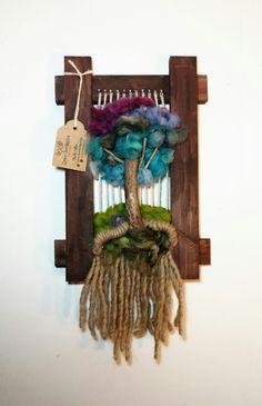 Telar Arbolito Brochure Holders, Colorful Plants, Indoor Plants, Fiber Art, Floral Arrangements, 3 D, Cactus, Exotic, Weaving