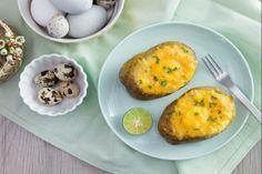 Trứng là món ăn quen thuộc của tất cả mọi người. Trứng được chế biến thành rất nhiều món ngon khác nhau và được dùng vào bữa sáng và nhiều bữa khác trong ngày điều được. Bữa ăn sáng với trứng không chỉ dinh dưỡng mà còn rất nhanh gọn. Để giúp bạn có thêm