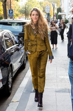 Blake Lively In Rag & Bone – Out In Paris