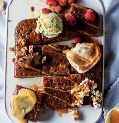 Cheat's malva pudding No Bake Treats, No Bake Desserts, Yummy Treats, Sweet Treats, Malva Pudding, Peanut Brittle, Pudding Recipes, Food Gifts, Sweet Tooth
