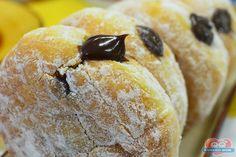 http://xamegobom.com.br/receita/donut-de-doce-de-leite-com-chocolate/ Já experimentou o Donut de Doce de Leite com Chocolate, ainda não? Aprenda a preparar esse delicioso doce.