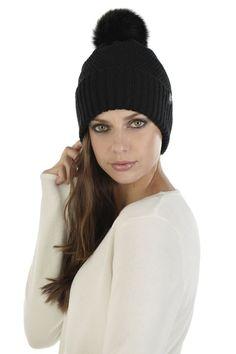SCHWIING TUQUE SANSA NOIR Sansa, Winter Hats, Fashion, Winter, Black People, Accessories, Moda, Fashion Styles, Fashion Illustrations