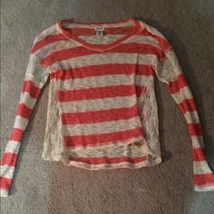 Striped top Lace in upper part of sleeves and along sides Tops