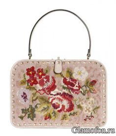 Розовая сумка с цветочной вышивкой. Valentino Rockstud осень 2012 - зима 2013