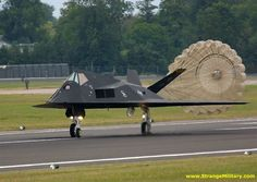 F-117 STEALTH LANDING - DEPLOYS CHUTE