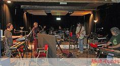 Camel é uma banda britânica de rock progressivo, com umas pitadas de jazz rock formada em 1971. O grupo lançou seu primeiro álbum em 1973 pela MCA Records. Em seu siteoficial diz que a origem embrionária do CAMEL foi concebida por volta de 1964 quando os irmãos Andrew e Ian Latimer se reuniu com seus respectivos amigos Alan Butcher e Richard para formar um fantástico quarteto.