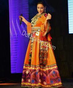 #Afghan #style #dress #singer