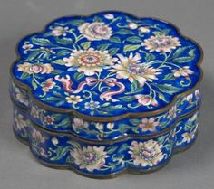 Box with Floral Scrolls, 18th century, China, Painted enamel on copper