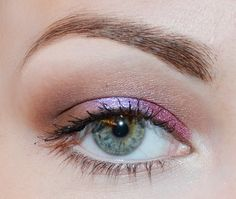 Blueberry - #eyemakeup #eyeshadow #eyes #pinkshadow #makeup #agatawelpamakeup - bellashoot.com