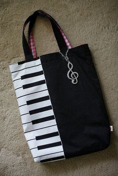 My wifes handmade bag for piano lessons. | Flickr - Fotosharing! #handmadebag