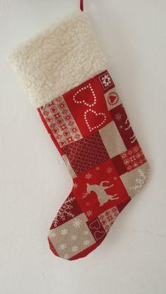 Heute möchte ich euch meinen Nikolausstiefel präsentieren. Ich habe diesen Stiefel im letzten Winter rauf und runter genäht. Ich finde ihn p...