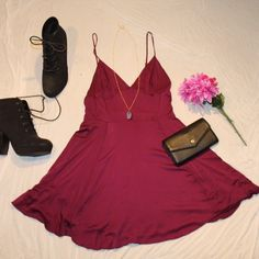 HP Silence & Noise, Fit & Flare Maroon Dress Wedding Styles Party Host Pick. Adorable short maroon dress. Lightweight and flattering, perfect for summer! Gently used, minor fraying on the straps (shown in picture, not noticeable when worn). Size 6, fits small. Urban Outfitters Dresses Mini