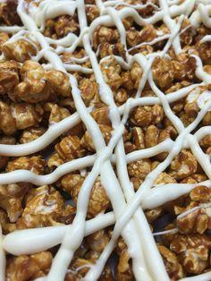 White chocolate cinnamon caramel gourmet popcorn Tampa White Chocolate Popcorn, Chocolate Cherry, Chocolate Peanut Butter, Peanut Butter Popcorn, Gourmet Popcorn, Chicken Wings, Cinnamon, Caramel, Food