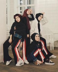 Style inspiration hipster teen fashion new ideas Muslim Fashion, Hijab Fashion, Fashion Outfits, Fashion Photography Inspiration, Style Inspiration, Photography Ideas, Sweets Photography, Style Ideas, Denim Fashion