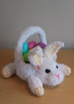 Bunny Easter Basket Loom Yarn, Peg Loom, Yarn Needle, Easter Egg Basket, Easter Bunny, Easter Eggs, Loom Knitting Patterns, Crochet Patterns, Felt Sheets