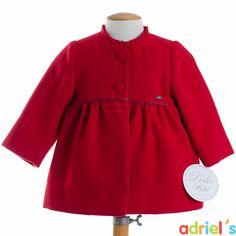 Abrigo rojo de Dolce Petit para bebé.