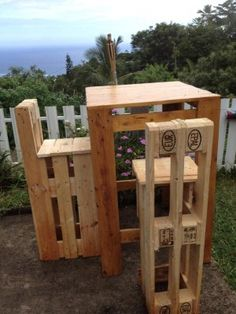 Pallet Table + Pallet stools   ** Follow all of our boards** http://www.pinterest.com/bound4burlingam/