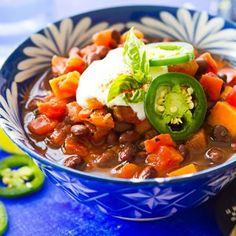 Slow Cooker Sweet Potato & Black Bean Chili - an amazing snow day dish!