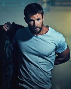 Oh, this man ❤️ Chris Hemsworth Thor, Snowwhite And The Huntsman, Fotografia Tutorial, Hemsworth Brothers, Australian Actors, Ex Machina, Actrices Hollywood, Man Thing Marvel, Marvel Actors