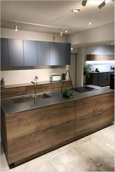 94 Best Kitchen Lighting Ideas for Better Meal Time to Look Amazing Modern Kitchen Cabinets Amazing Ideas Kitchen Lighting Meal Time Kitchen Room Design, Modern Kitchen Design, Home Decor Kitchen, Interior Design Kitchen, Kitchen Designs, Diy Interior, Kitchen Layout, Diy Kitchen, Kitchen Grey