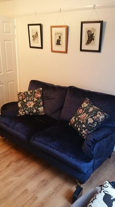 The Verona is one of Multiyork's bestselling sofas and it's clear to see why with the elegant design and luxurious back cushions! Thanks to Andrew for sending us this photo of your Verona looking wonderfully cosy in a velvet fabric.