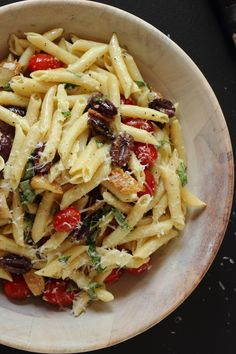 vegetarian Roasted Garlic Pomodoro Pasta Salad.