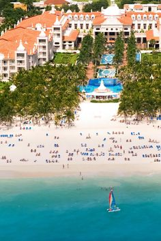 This hotel is on a spectacular stretch of the beautiful white sandy beach of Playacar in Mexico. Riu Palace Riviera Maya All-Inclusive (Playa del Carmen, Mexico) - Jetsetter