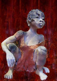 red - child - figurative sculpture - Michele Ludwiczak